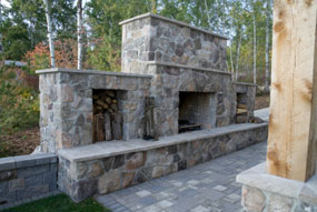 Outdoor fire pits fireplaces denver - Building river stone walls with mortar sobriety and elegance ...